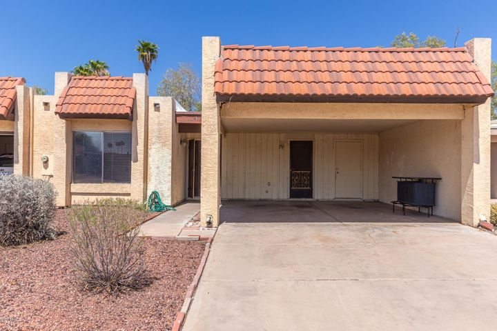 818 W RICE Drive, Tempe, AZ 85283