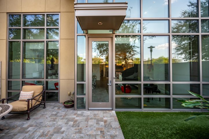 Plaza Lofts Kierland - Welcome Home! Your own Private Entrance.