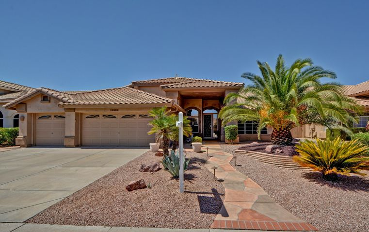 Pull up to this regent model home with gorgeous curb appeal and 3 car garage!