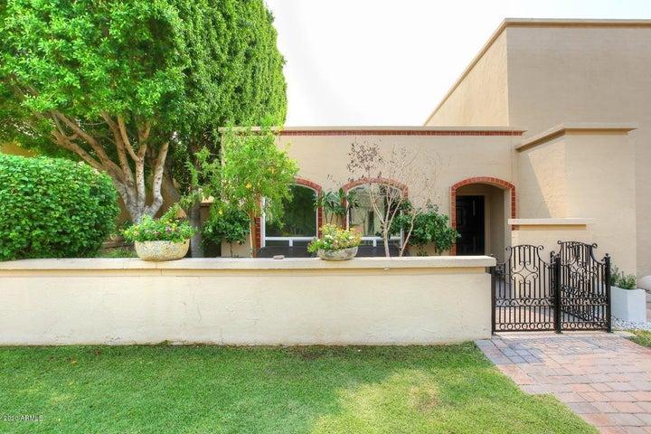 1935 E Medlock Drive, Phoenix, AZ 85016