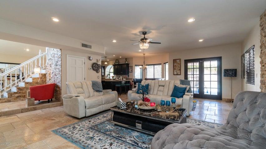 3646 E LAVENDER Lane, Phoenix, AZ 85044