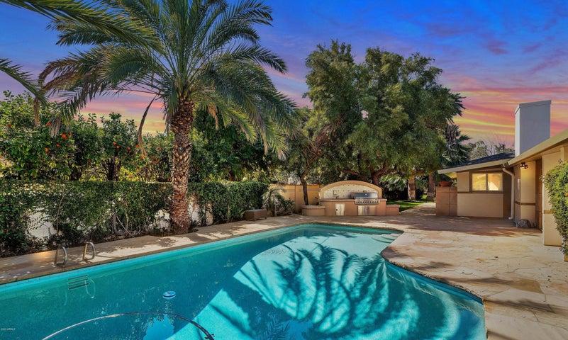6715 E Montecito Avenue, Scottsdale, AZ 85251