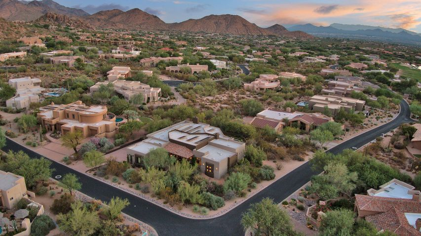 10685 E COTTONTAIL Lane, Scottsdale, AZ 85255