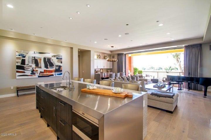 2 E BILTMORE Estate, 101, Phoenix, AZ 85016