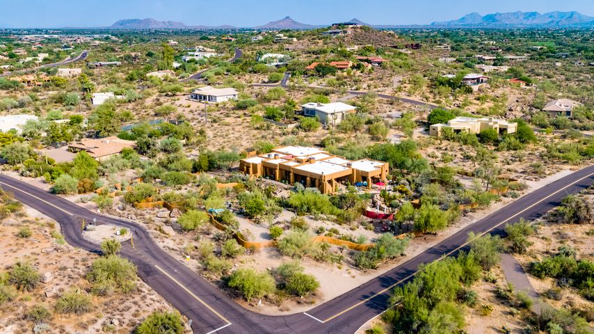 37075 N BLOODY BASIN Road, Carefree, AZ 85377