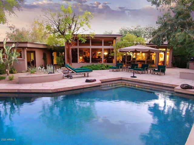 4604 E PALOMINO Road, Phoenix, AZ 85018