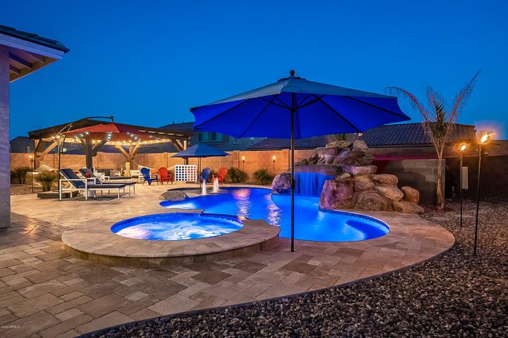 18363 W PARADISE Lane, Surprise, AZ 85388