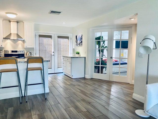 Large Wide-Open Floorplan!