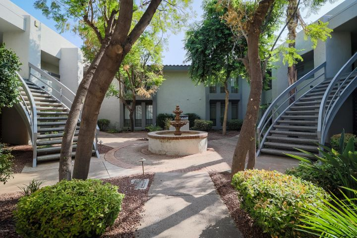 5223 N 24TH Street, 206, Phoenix, AZ 85016