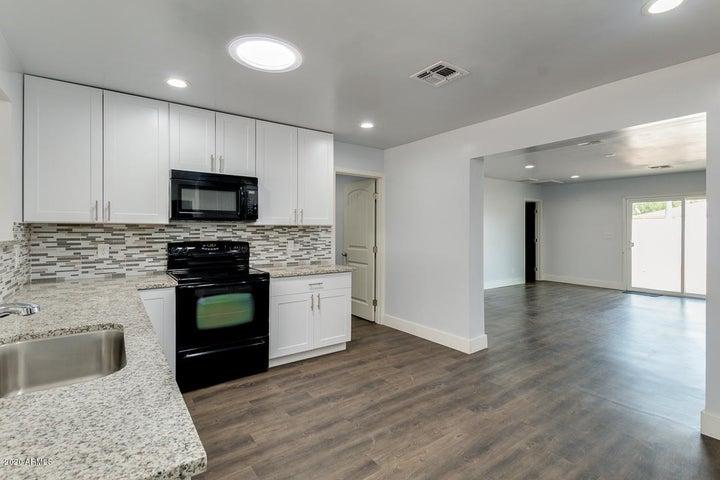 99 N Hamilton Street, Chandler, AZ 85225
