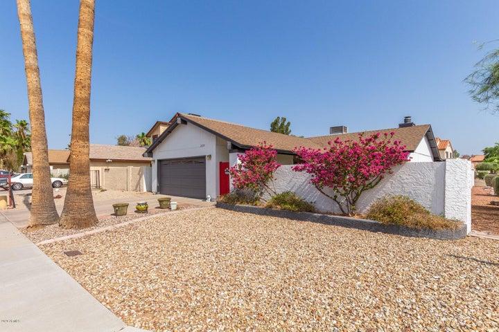 2559 W KIOWA Avenue, Mesa, AZ 85202