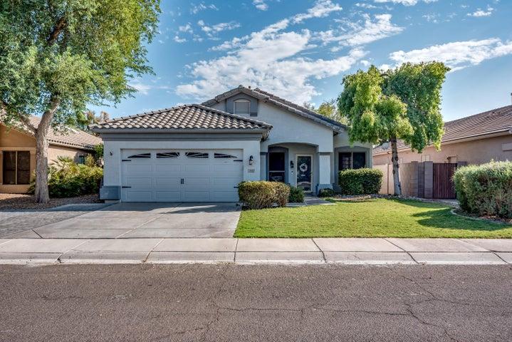 3945 E LEXINGTON Avenue, Gilbert, AZ 85234
