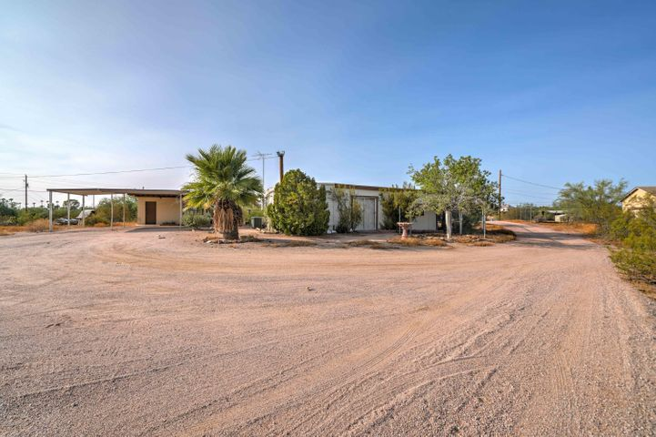 1890 E 3RD Avenue, Apache Junction, AZ 85119