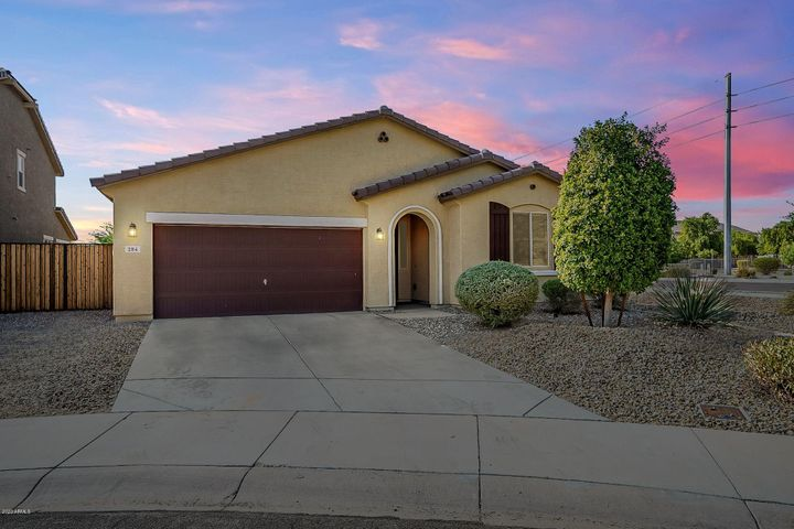 Home situated in Cul-De-Sac Home with Large RV Gate! Neighbors only on 1 side!