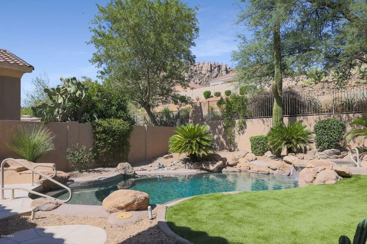11570 E DESERT HOLLY Drive, Scottsdale, AZ 85255