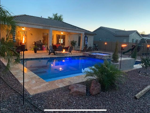 18186 W ECHO Lane, Waddell, AZ 85355