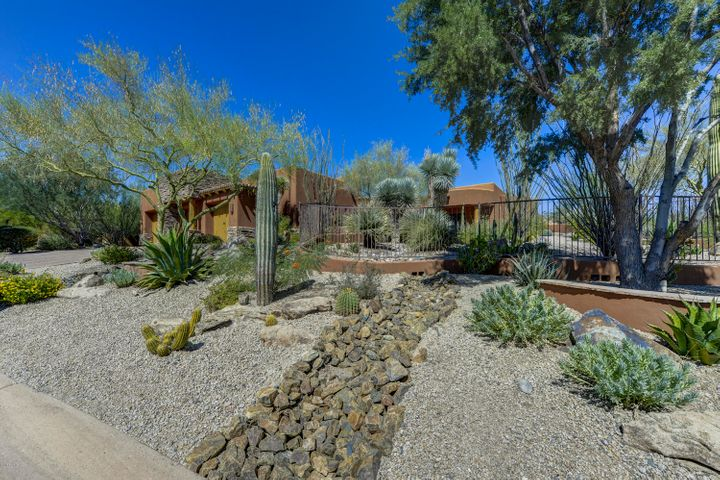 9944 E CHUCKWAGON Lane, Scottsdale, AZ 85262