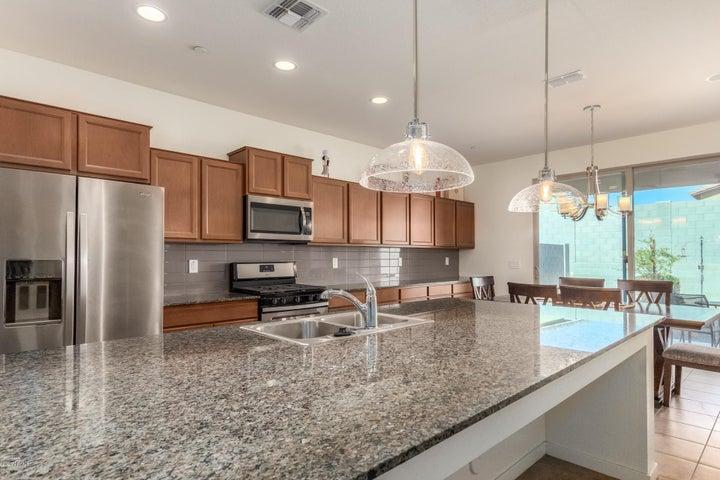 21350 W HOLLY Street, Buckeye, AZ 85396