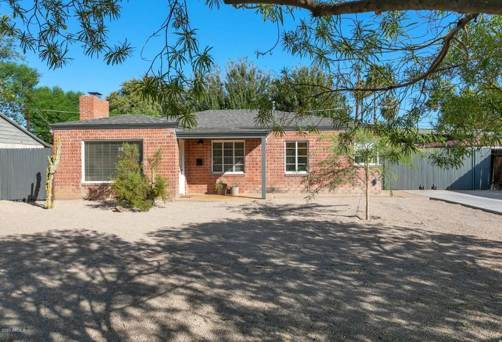 Classic brick ranch in Pierson Place historic district