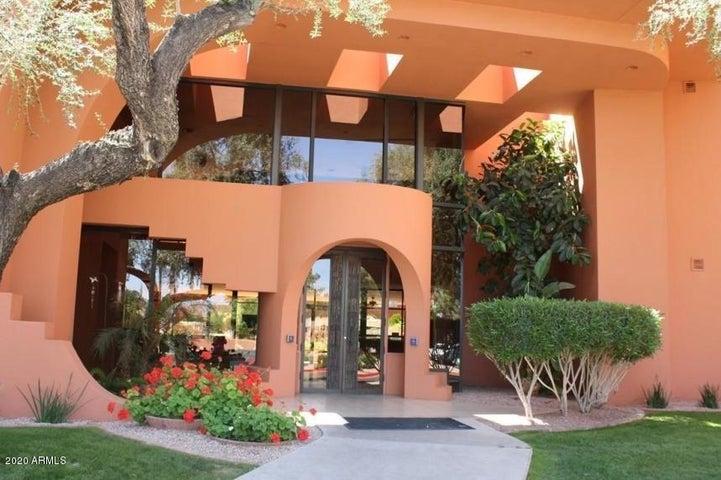 12222 N PARADISE VILLAGE Parkway, 413, Phoenix, AZ 85032
