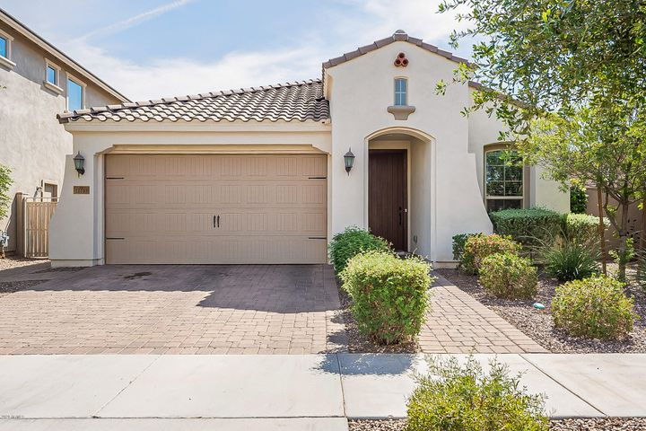 10253 E SABLE Avenue, Mesa, AZ 85212