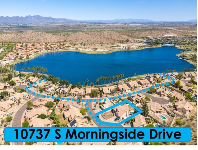 Estrella's lakeside community - Copper Ridge!