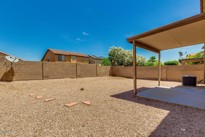12466 W EL NIDO Lane, Litchfield Park, AZ 85340