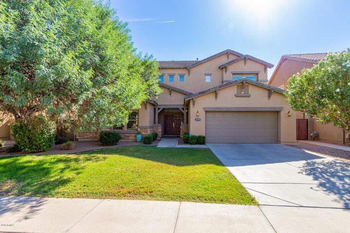 1379 E CANYON CREEK Drive, Gilbert, AZ 85295