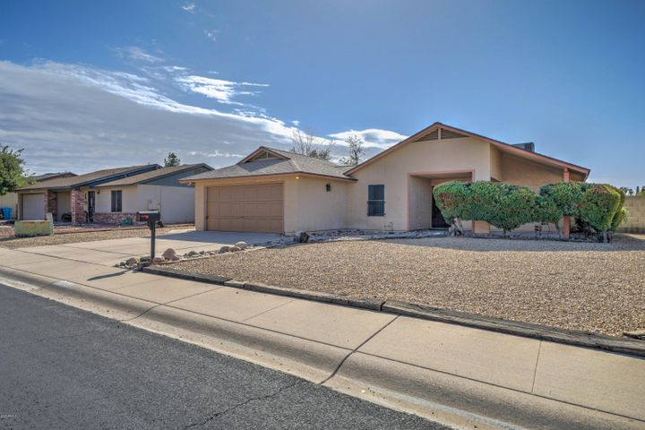 2733 W BLUEFIELD Avenue, Phoenix, AZ 85053