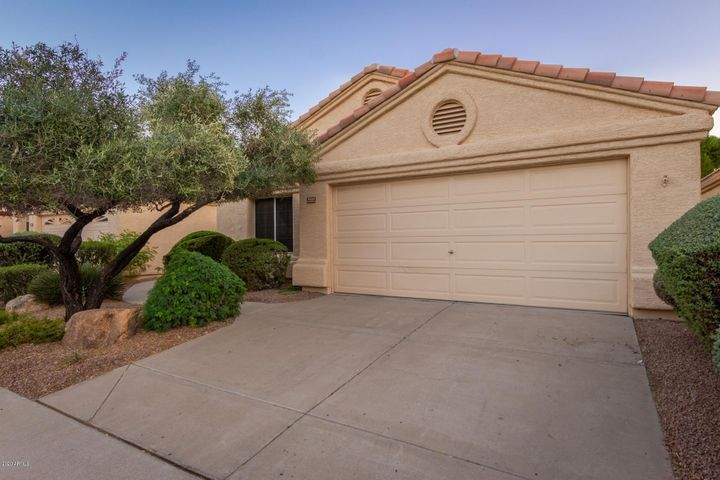 14061 W WINDSONG Trail, Surprise, AZ 85374
