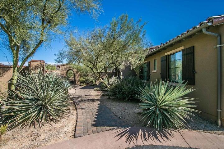 20704 N 90TH Place, 1079, Scottsdale, AZ 85255