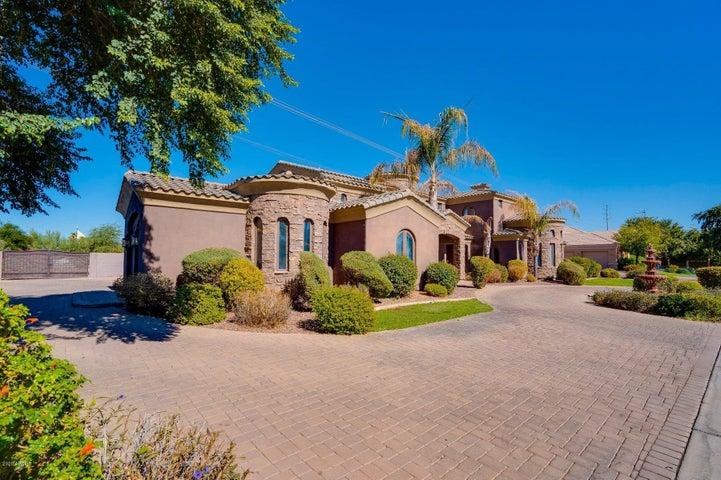 2430 E VAUGHN Avenue, Gilbert, AZ 85234