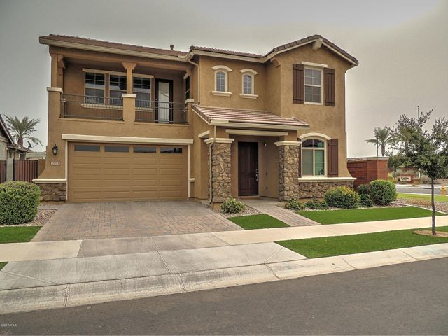 2053 S OSBORN Lane, Gilbert, AZ 85295