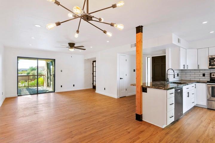 9340 N 92ND Street, 216, Scottsdale, AZ 85258