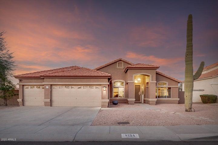 1274 E LAKE Drive, Gilbert, AZ 85234