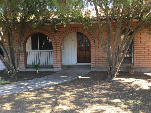 101 N MATLOCK Street, Mesa, AZ 85203