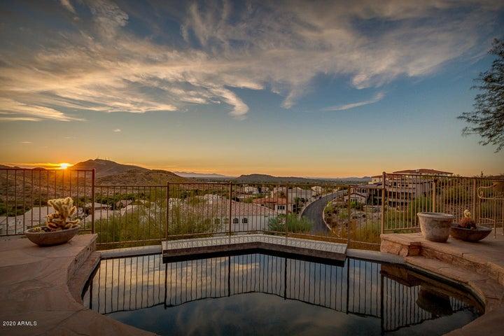 1534 E VICTOR HUGO Avenue, Phoenix, AZ 85022