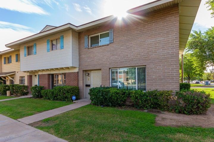 1667 W HAZELWOOD Street, Phoenix, AZ 85015