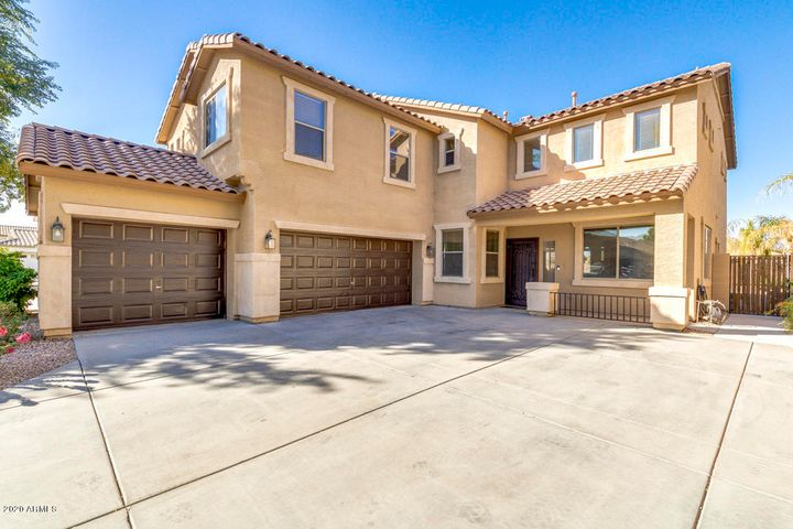 942 W HOLSTEIN Trail, San Tan Valley, AZ 85143