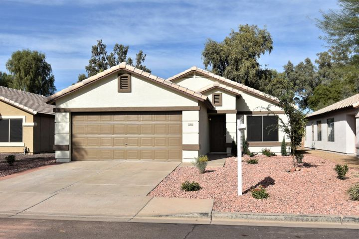 15916 W SMOKEY Drive, Surprise, AZ 85374