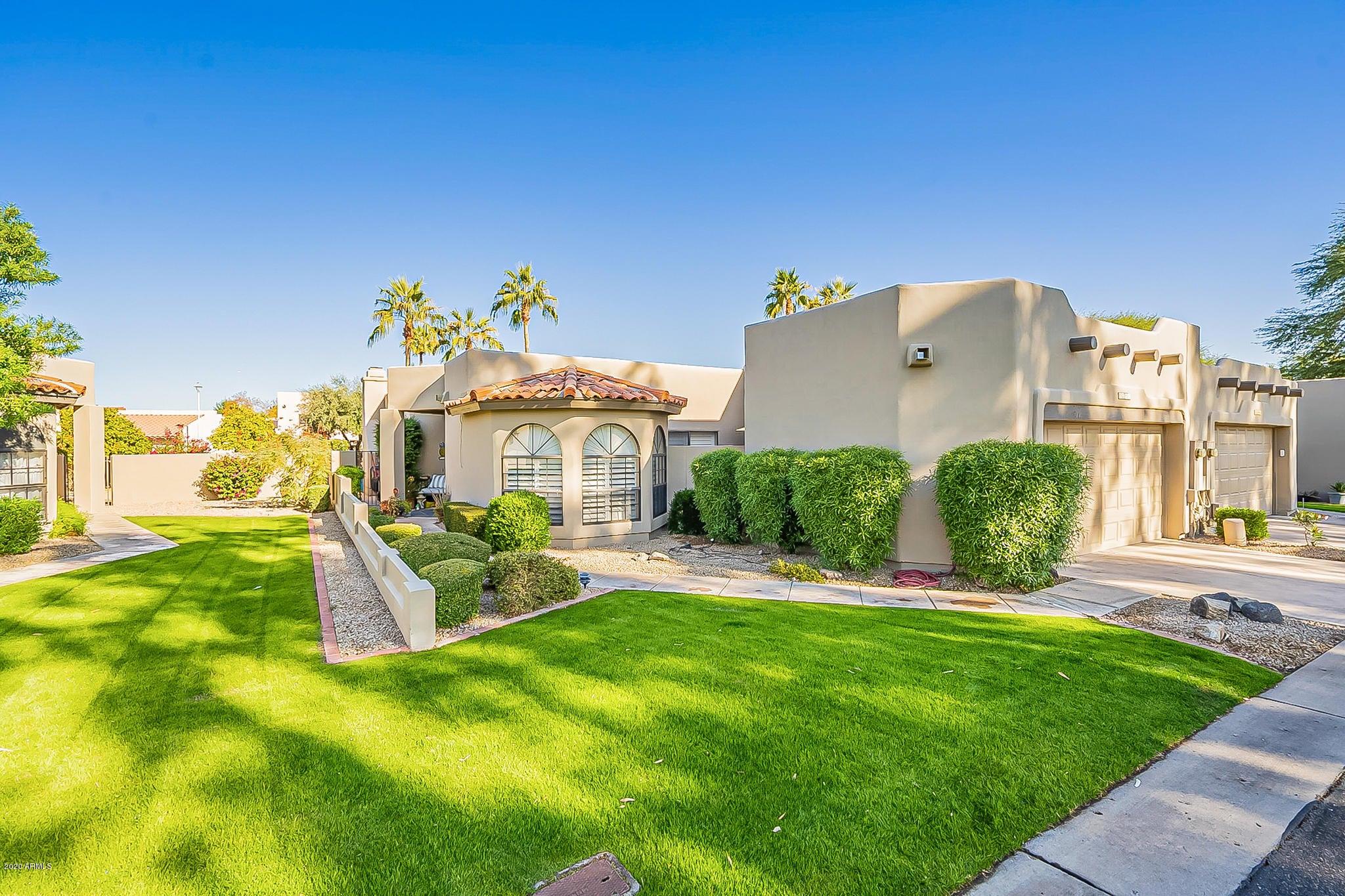4042 E ROUND HILL Drive, Phoenix, AZ 85028