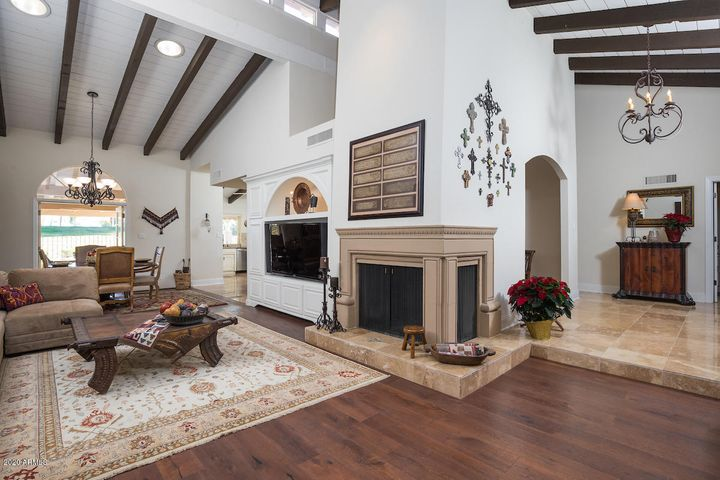 Colonial Encantada, McCormick Golf Course, paths, end unit, 3 bedrooms, den, golf course and sunset views, fireplace, gated, community pool, move in perfection