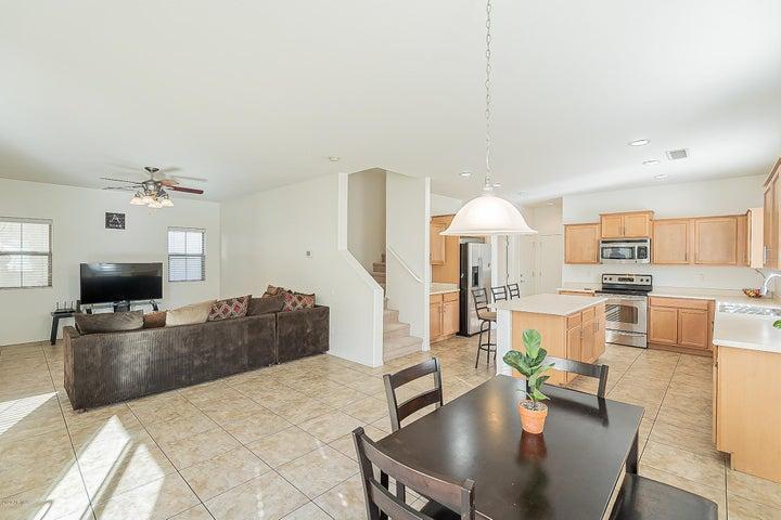 8335 W LEWIS Avenue, Phoenix, AZ 85037