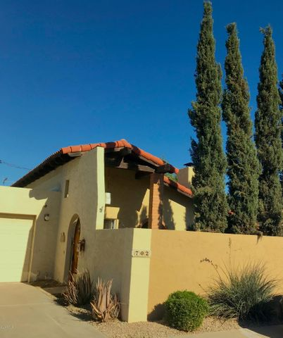 Single Level Home featuring Privacy and Location!