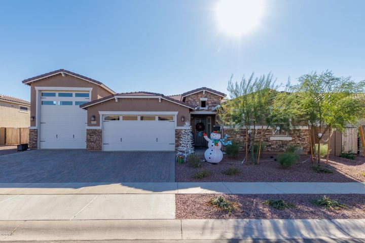 17353 W GAMBIT Trail, Surprise, AZ 85387
