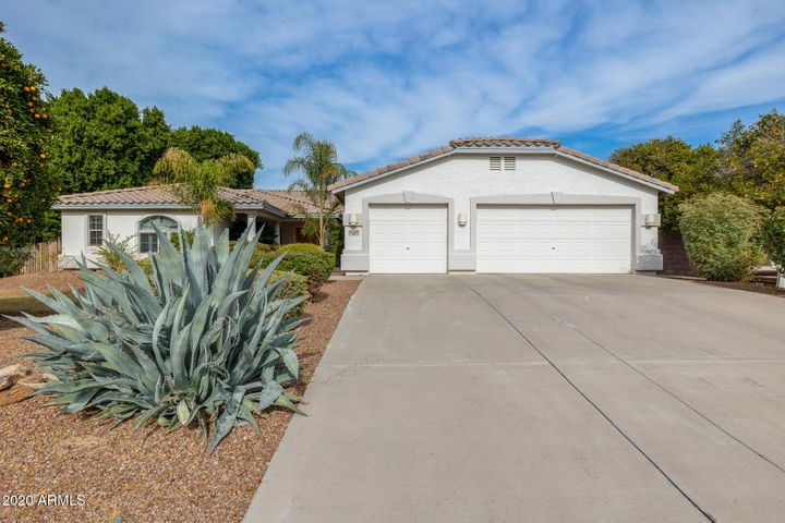 4240 E Fox Street, Mesa, AZ 85205