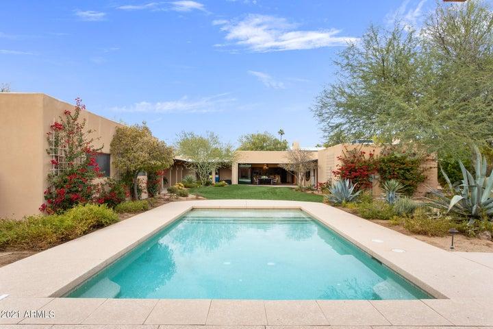 6911 E Fanfol Drive, Paradise Valley, AZ 85253