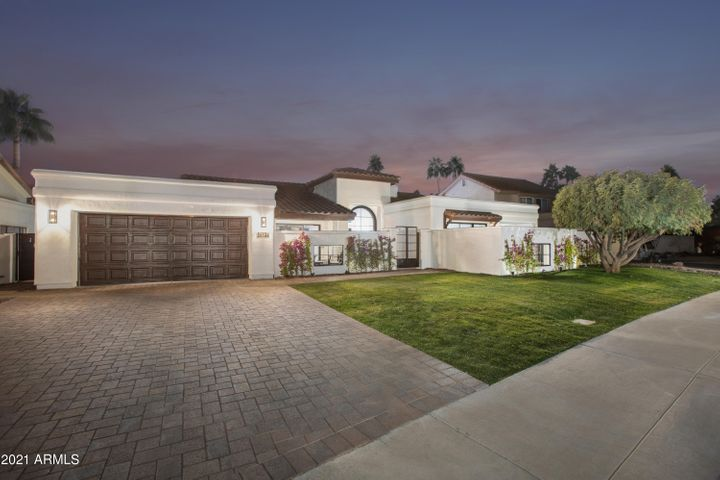 9675 E CINNABAR Avenue, Scottsdale, AZ 85258