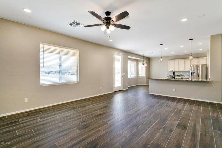 30433 W MCKINLEY Street, Buckeye, AZ 85396