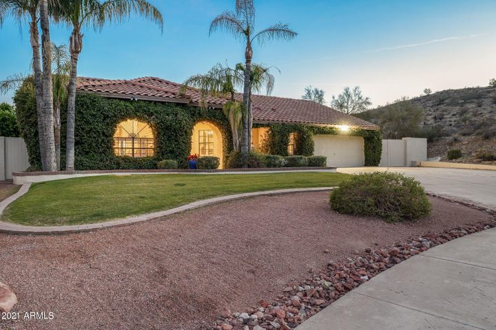 3417 E ROCKLEDGE Road, Phoenix, AZ 85044